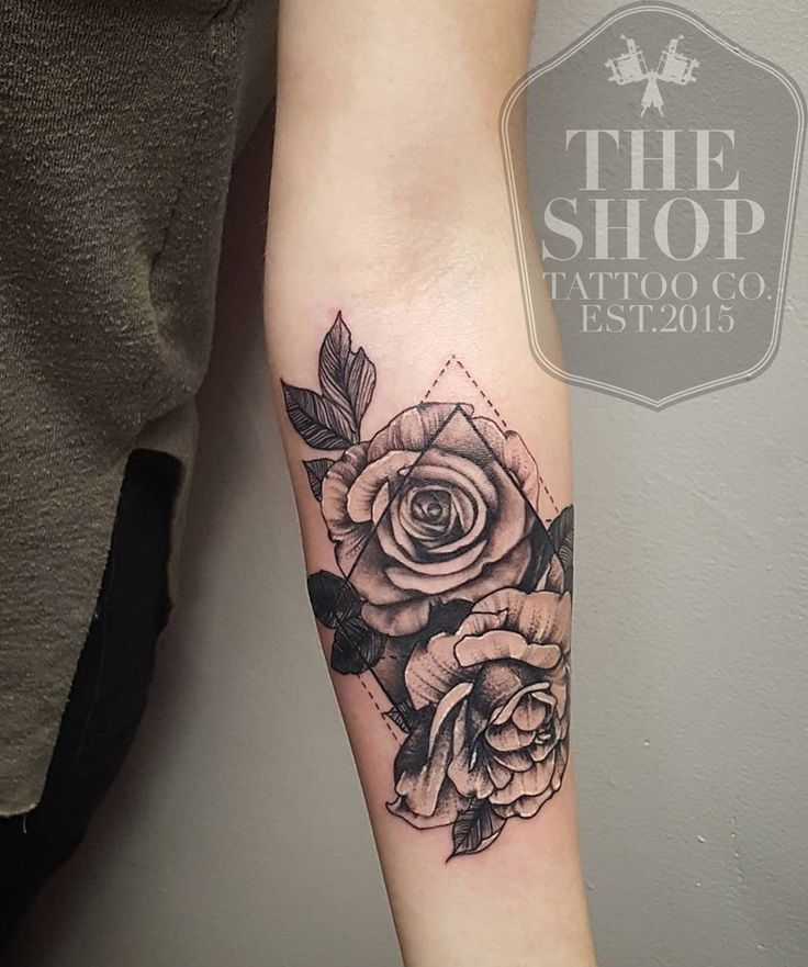Geometric tattoo the shop tattoo co best tattoo shop in for Tattoo shop design
