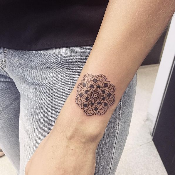 Feet Tattoos Tattoo S Idea Mandala Tattoo S Beauty: Small Mandala Tattoo...