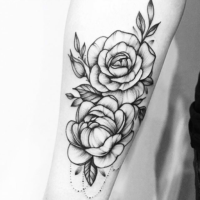 Floral Tattoo Images Designs: Beautiful Black And White Floral Tattoo