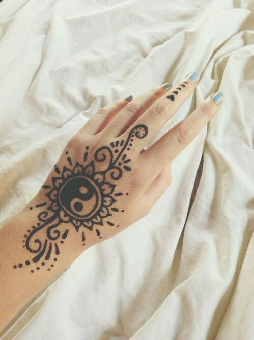 97 Jaw Dropping Henna Tattoo Ideas That You Gotta See: Jaw-dropping Henna Tattoo Ideas That You